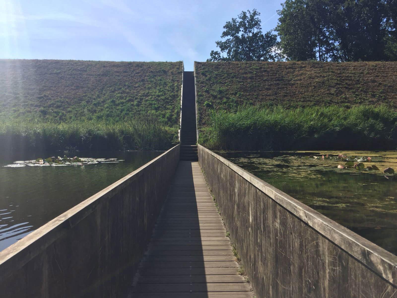 Moses Bridge Pompejus Tower